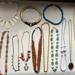 Bundle 1 Price, 12 Vintage Necklace Lot